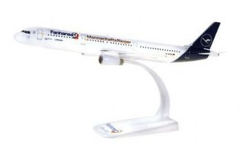 Airbus A321 Lufthansa 'Fanhansa' Herpa Collectors Model Scale 1:200 612104 E